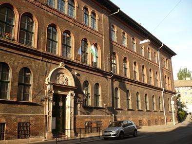 A képen a Batthyány Lajos Általános Iskola