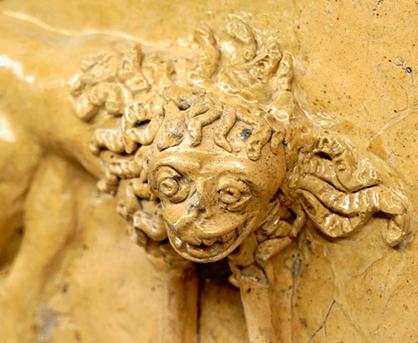 Ez például egy oroszlános csempe, fotó: BTM