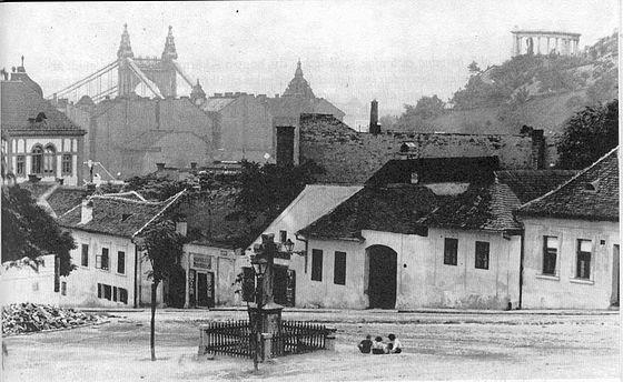 Tabán, Kereszt tér